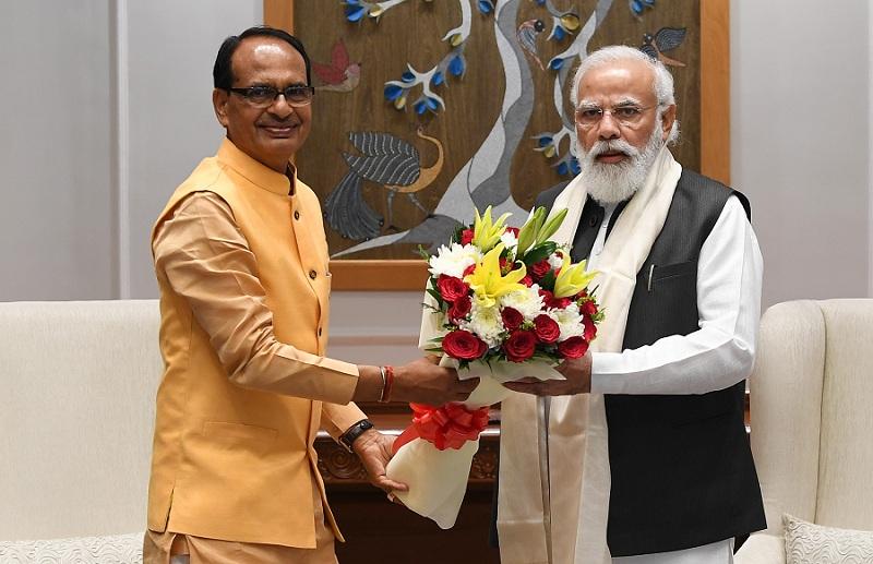 प्रधानमंत्री नरेंद्र मोदी से मध्य प्रदेश के मुख्यमंत्री शिवराज ने की मुलाकात, कई मुद्दों पर हुई चर्चा