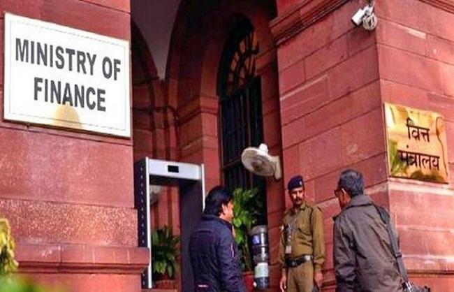 वित्त मंत्रालय ने 11 राज्यों को 15,721 करोड़ रुपए का अतिरिक्त कर्ज लेने की मंजूरी दी
