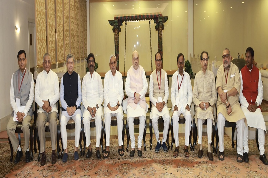 गृह मंत्री अमित शाह ने नक्सल प्रभावित क्षेत्रों में सुरक्षा-विकास पर की समीक्षा बैठक