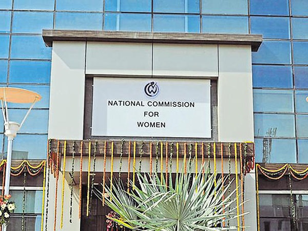 महिला वायु सेना अधिकारी का 'टू फिंगर' टेस्ट कराने पर राष्ट्रीय महिला आयोग ने जताई नाराजगी