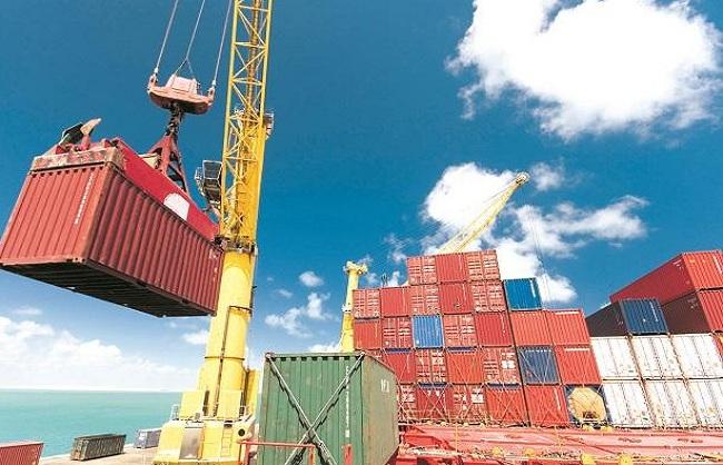 अगस्त में निर्यात 46 फीसदी बढ़कर 33.28 अरब डॉलर पर पहुंचा, व्यापार घाटा बढ़ा