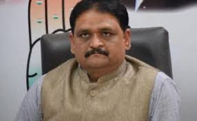 किसानों को नक्सली कहने पर बृजमोहन को मांगनी होगी माफ़ी : कांग्रेस
