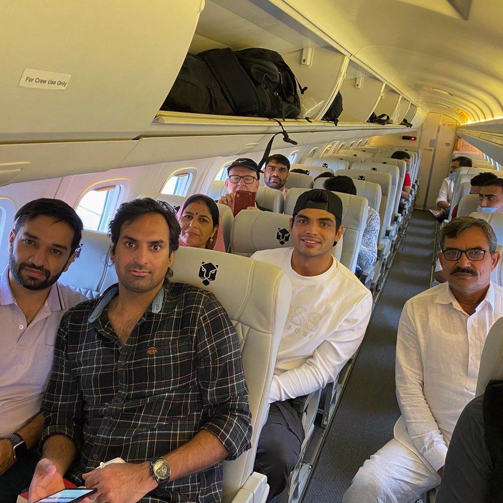 नीरज चोपड़ा का अपने माता-पिता को हवाई यात्रा कराने का सपना हुआ पूरा