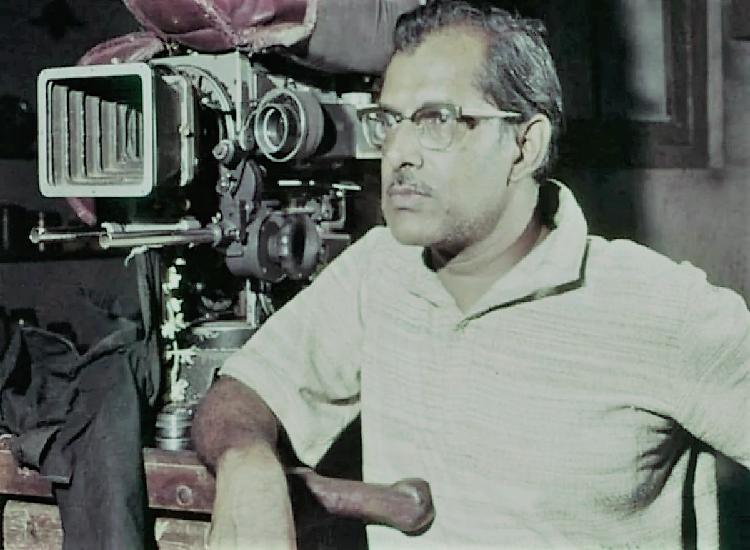 बॉलीवुड की कई हिट फिल्मों को निर्देशित करने वाले ऋषिकेश मुखर्जी का जन्म और उनसे जुड़ी महत्वपूर्ण बातें