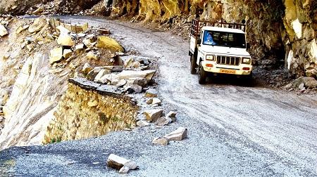 उत्तराखंड : सड़कों को परिवहन विभाग की नहीं मिली स्वीकृति फिर भी धड़ल्ले से दौड़ रहे वाहन !