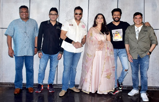 फिल्म 'विस्फोट' के लिए संजय गुप्ता ने मिलाया भूषण कुमार से हाथ