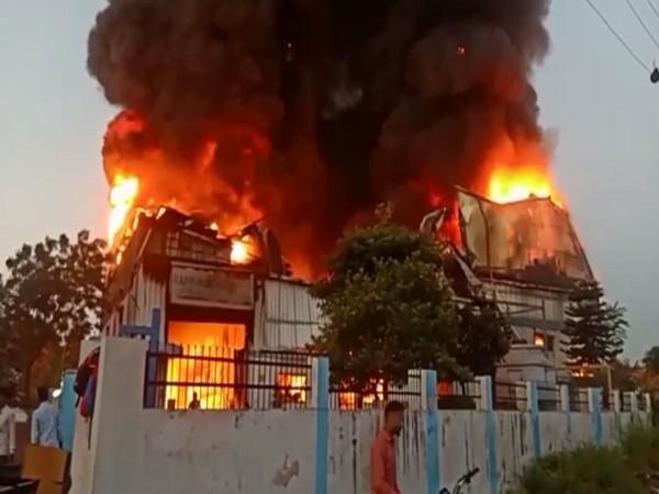 सिडकुल में रैपिड कंपनी में लगी भीषण आग